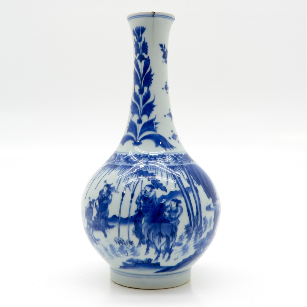 18th / 19th Century China Porcelain Bud Vase