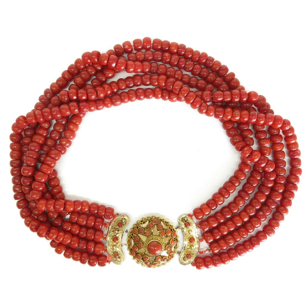 Beautiful 19th Century Deep Red Red Coral Necklace